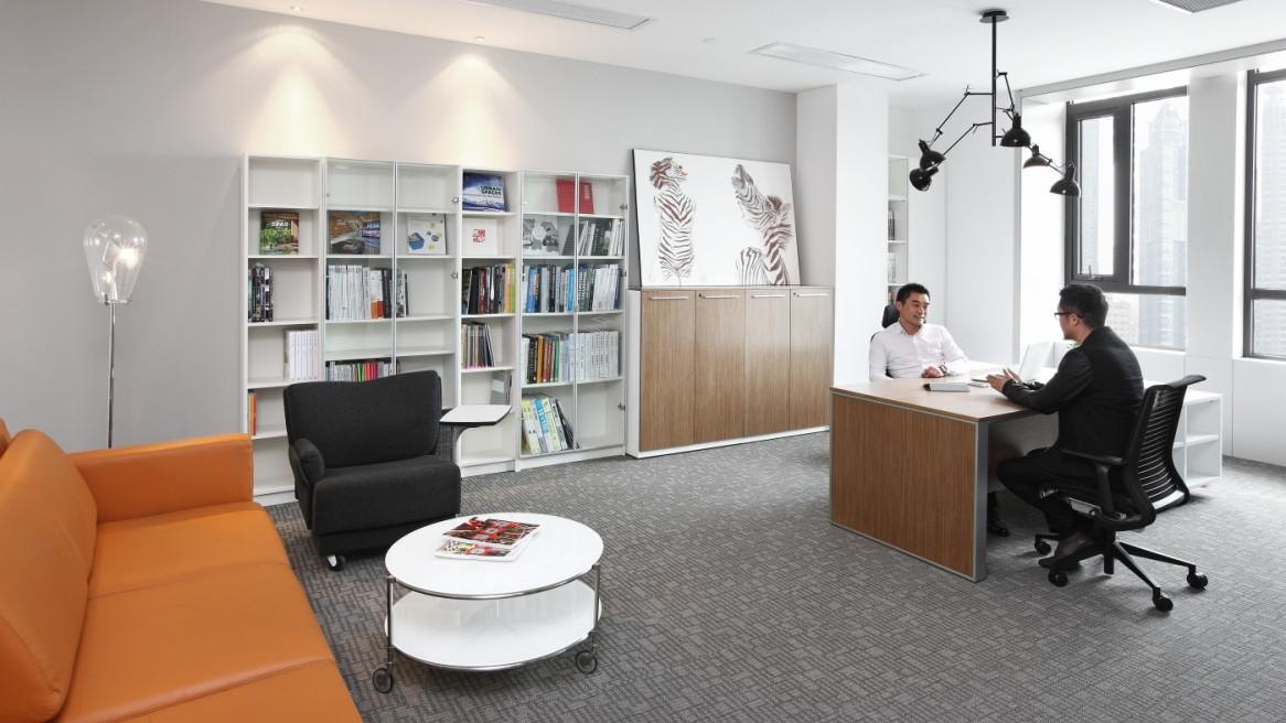 """"""" 一个好的办公环境可以为各种办公场景创造最佳环境,而在此其中,合作"""