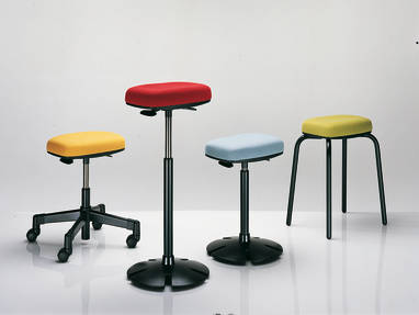 b free sit stand office stool seating steelcase. Black Bedroom Furniture Sets. Home Design Ideas