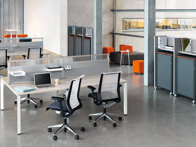 open space work environment with desks and task chairs - Panel Partito