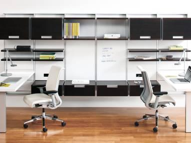FlexFrame workwall with dual desks
