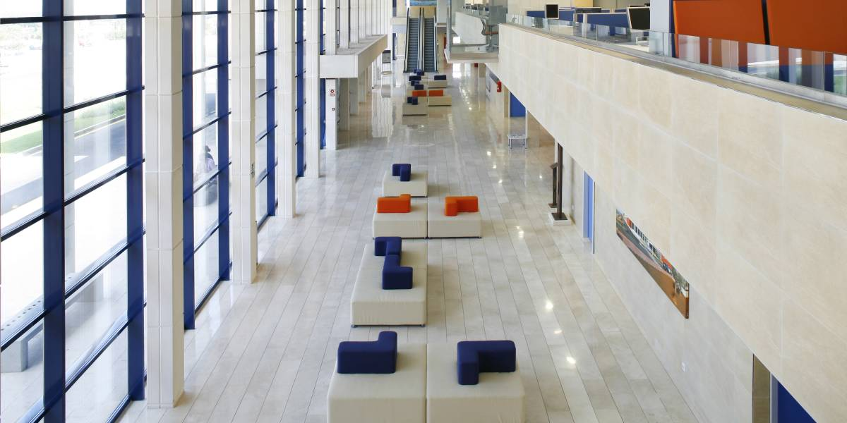 Hospital comarcal d 39 inca steelcase for Oficina wizink madrid