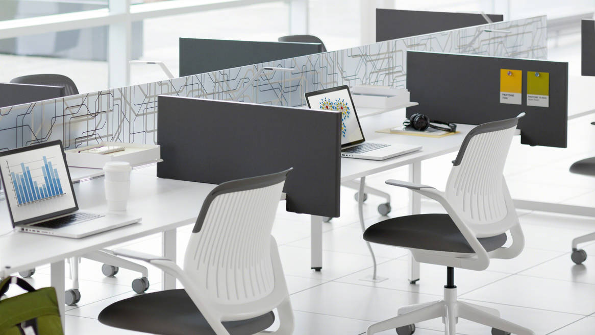 Cobi by Steelcase at desks with Diviso side screen