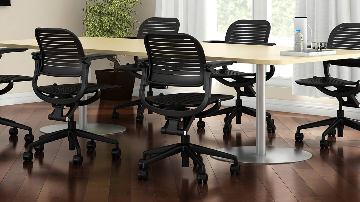 Cachet chairs around table for Groupwork