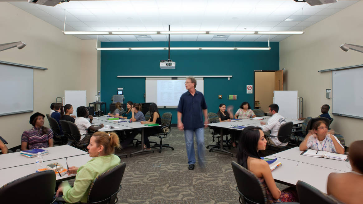 Innovative English Classrooms ~ Richland college adds steelcase learnlab