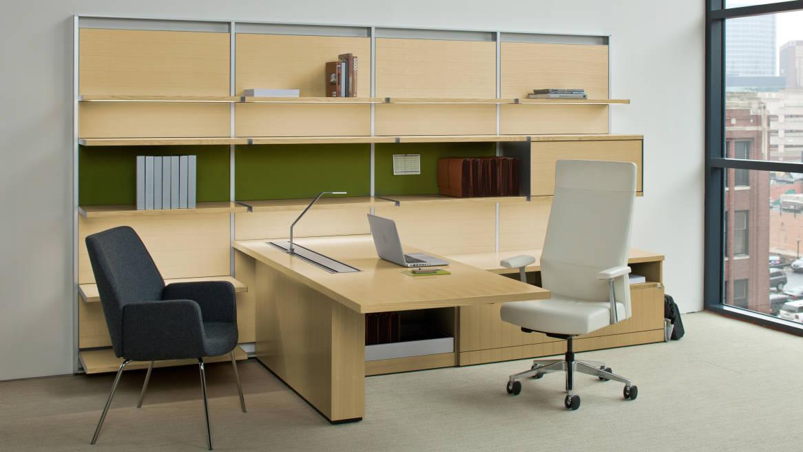 FlexFrame Workwall + Bindu Chair