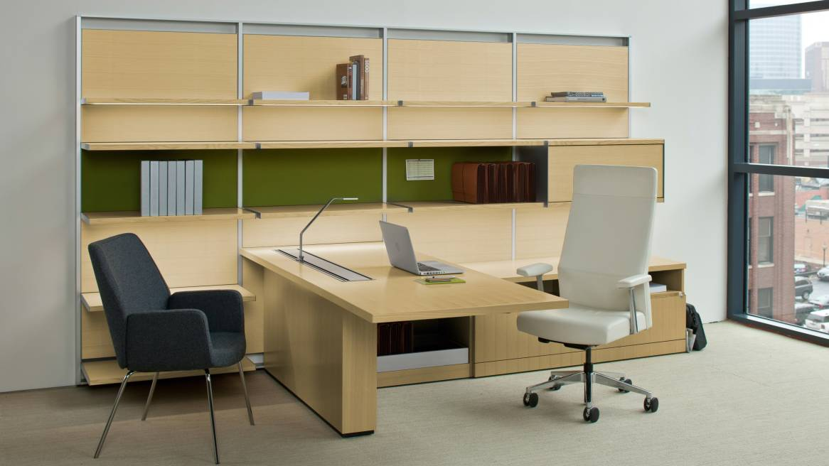 FlexFrame Workwall + Bindu Chair
