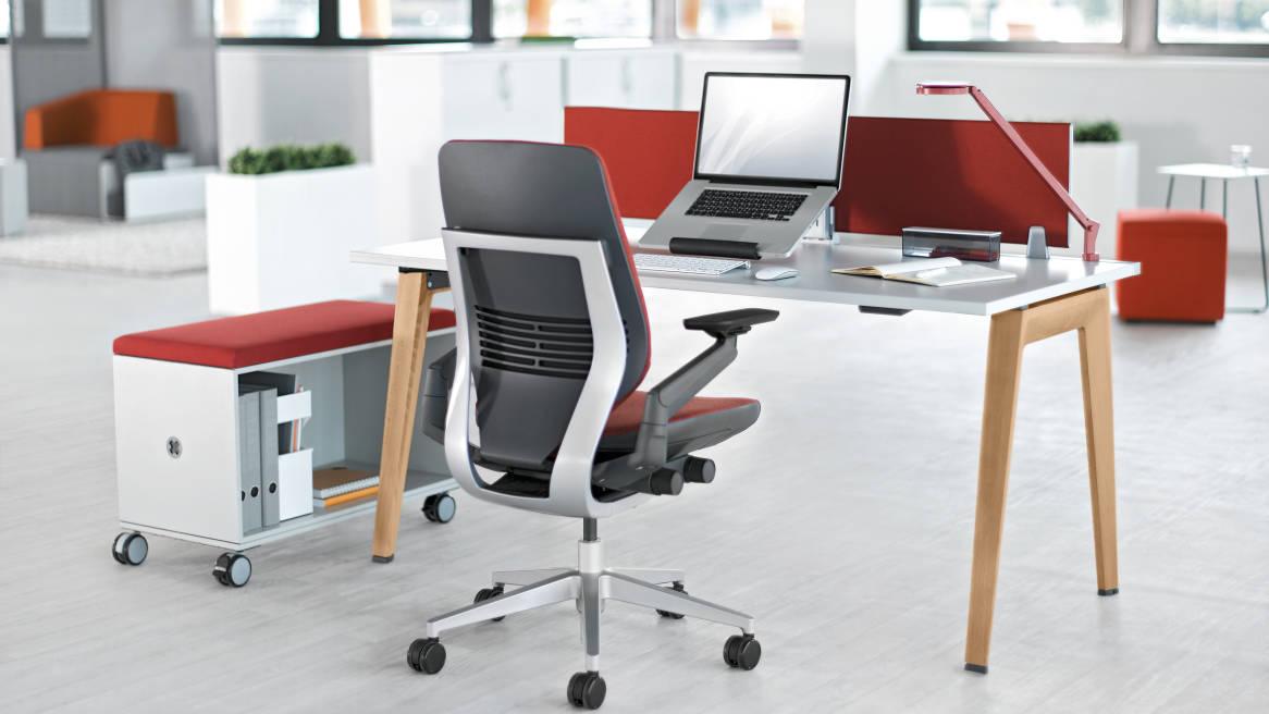B Free Desk