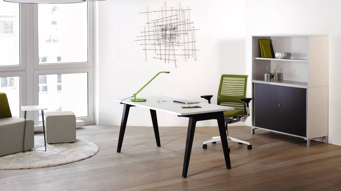 b free bureau modulaire et table de r union steelcase. Black Bedroom Furniture Sets. Home Design Ideas