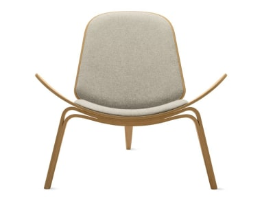 Shell Chair CH07 with light grey cushions
