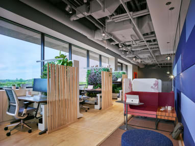 Office space featuring Think desk chairs, Ology desks, Umami chair, and Lagunitas personal table