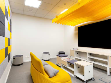 PolyVision a3 CeramicSteel Sans in modern workspace.