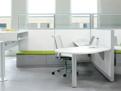 Montage Workstation with Post + Beam Fence with Duo Storage Unit