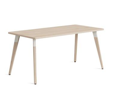 Lares SE Desk on white background