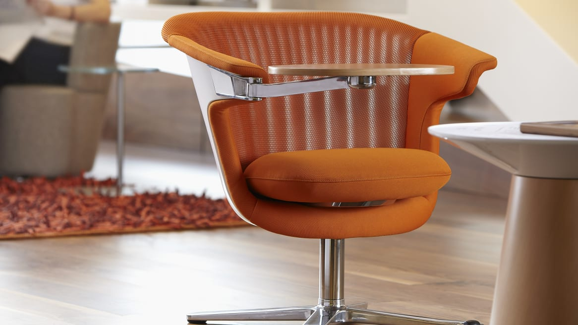 i2i collaborative chair featuring small table attachment