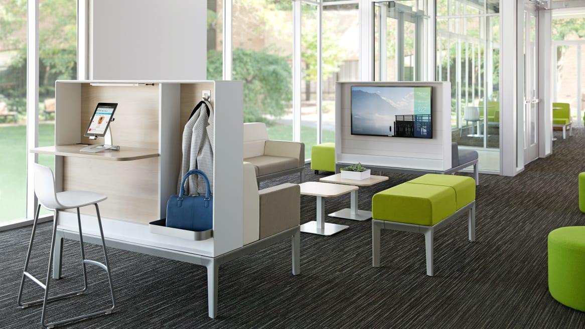 Regard furniture in lounge area