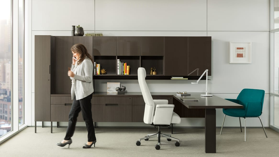 Siento Hight Back Office Chair in Office setting