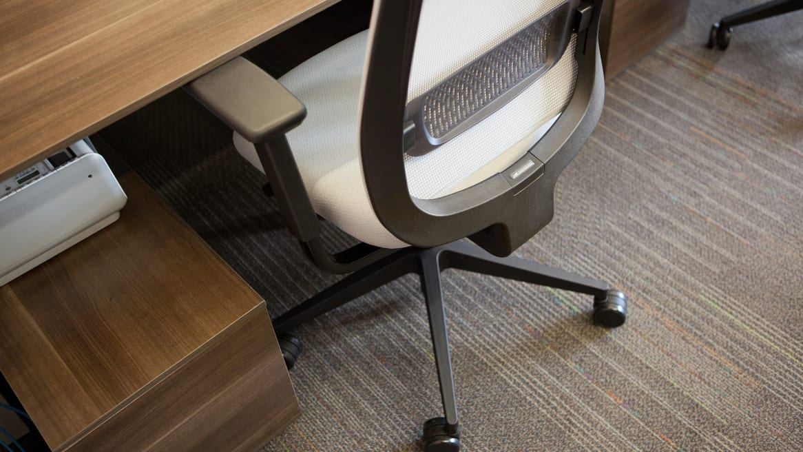 Showcasing Reply Office chair adjustability