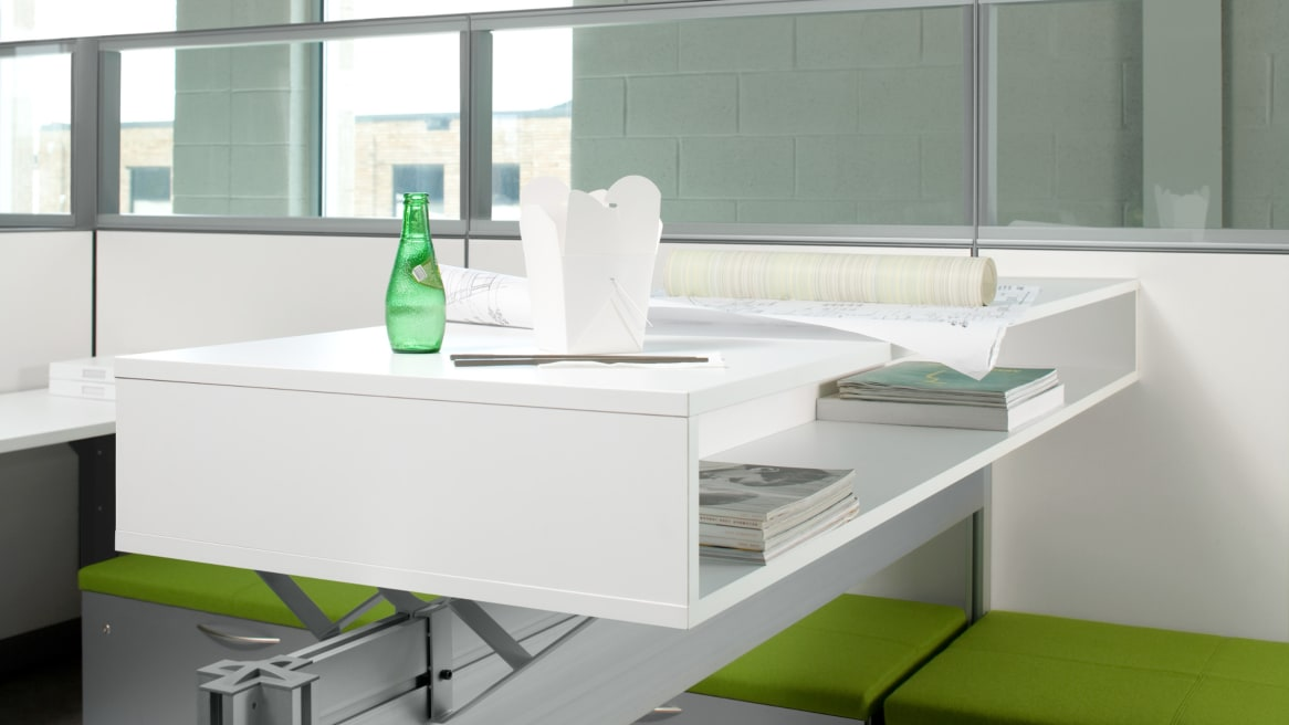 Duo Slim Storage with lunch on the top surface