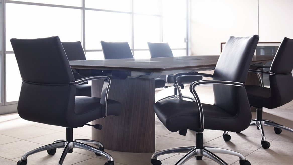 Six Black Chord Conference Chairs arpimd a big conference table