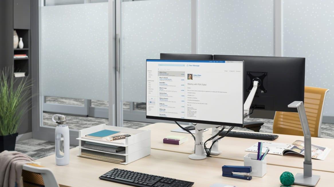 CF Series Evolution computer monitor arm