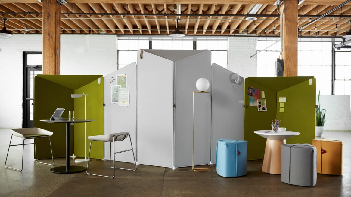 Collaboration space in office with privacy screens