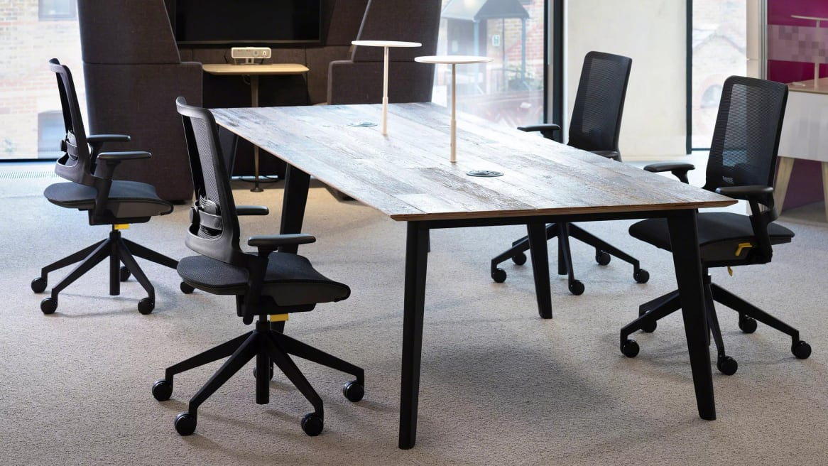 office station with kirn chairs
