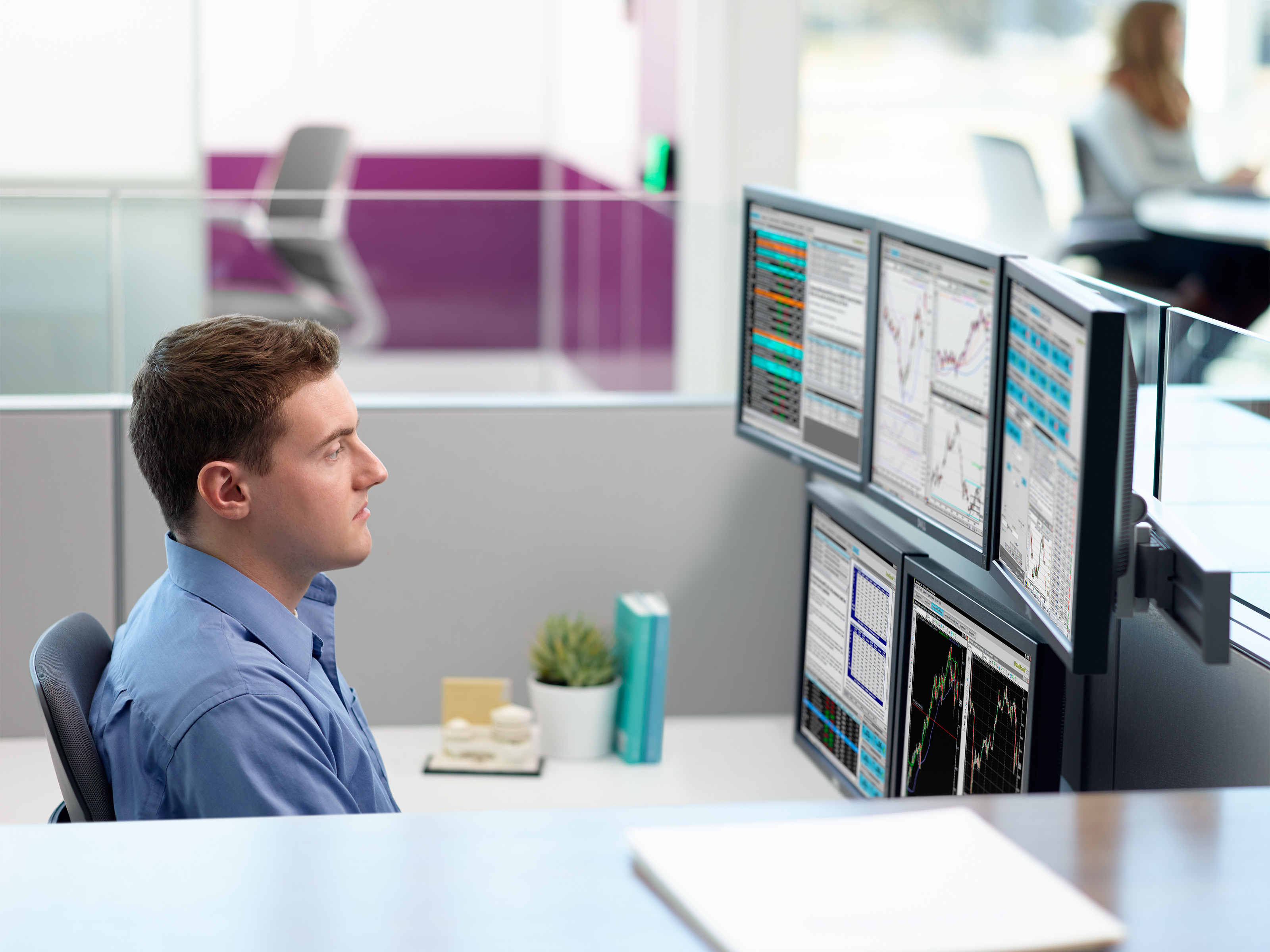 - How Multiple Monitors Affect Wellbeing - Steelcase