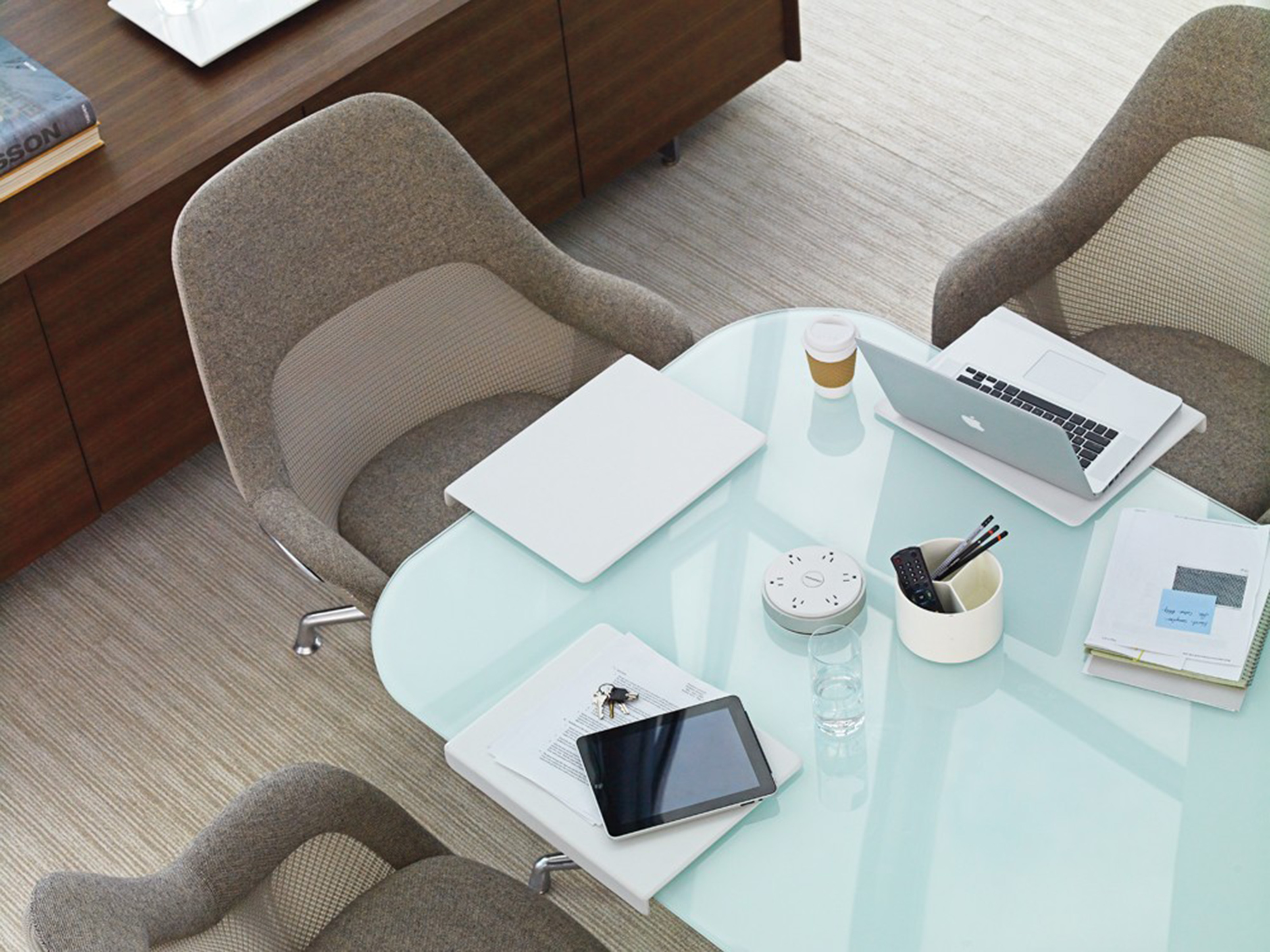 SW 1 Table Steelcase