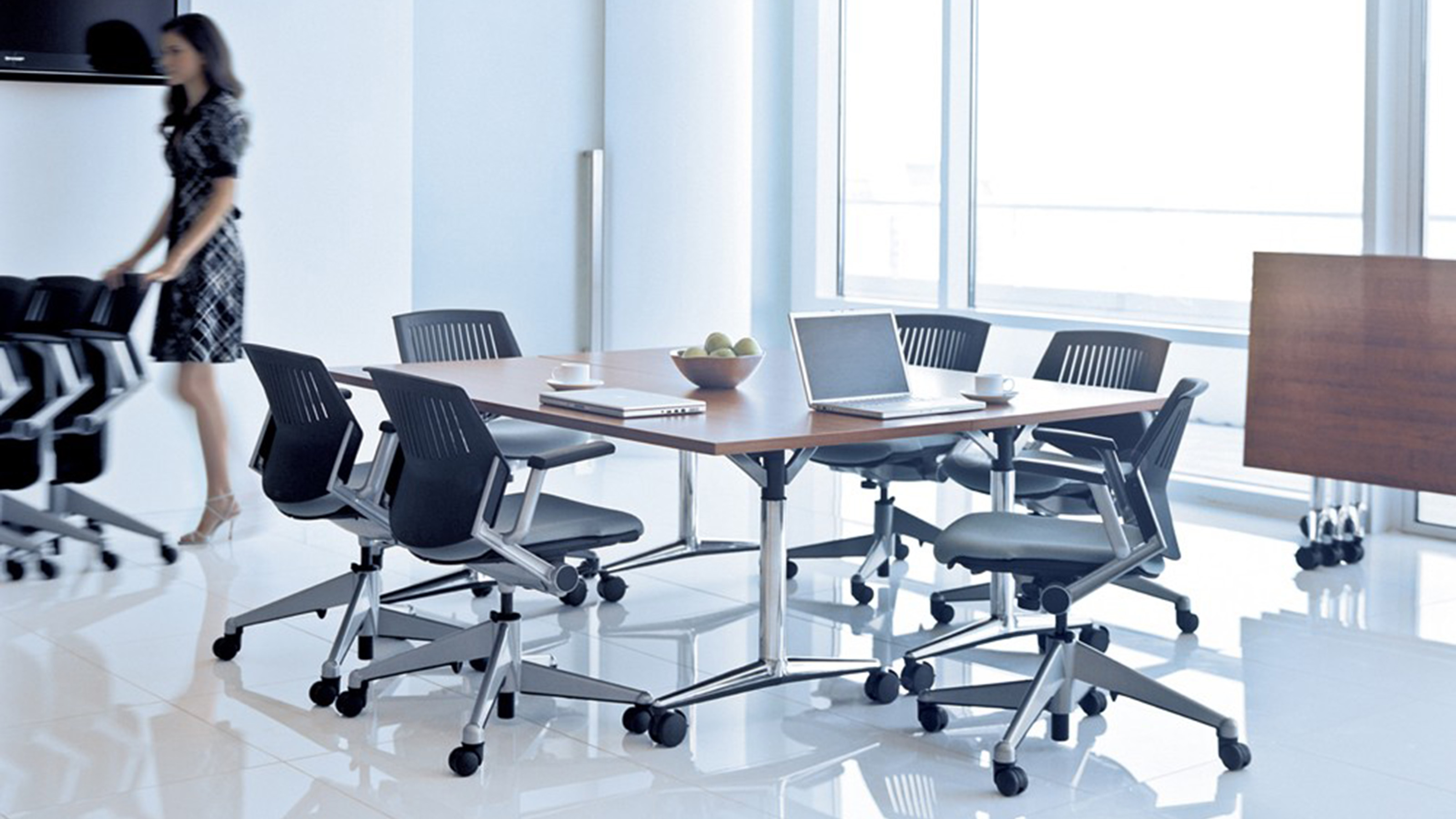 akira multi-purpose table - steelcase