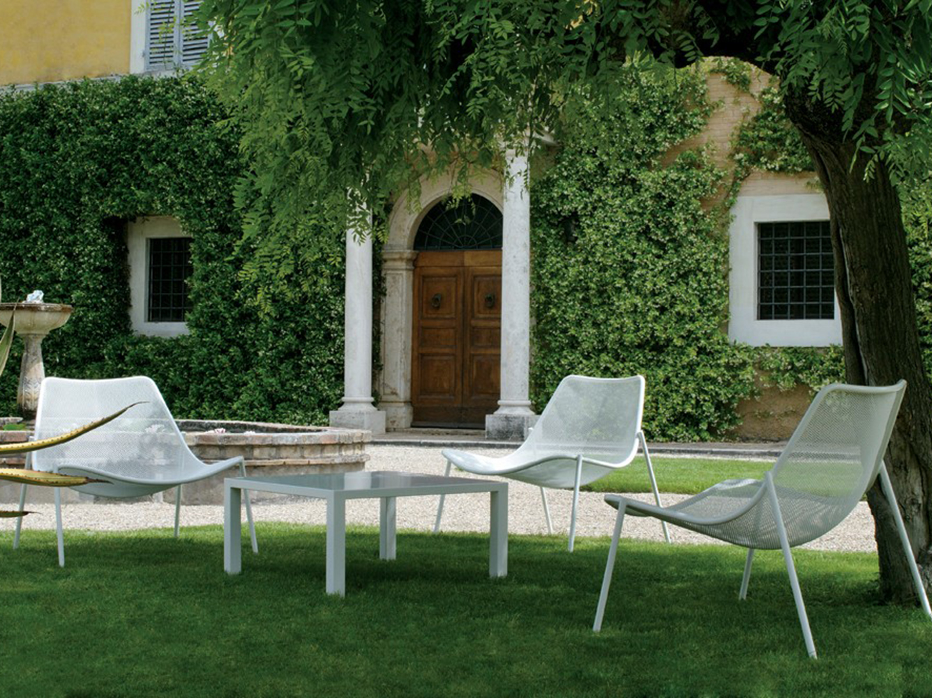 Emu Round Designer Outdoor Seating by Coalesse Steelcase